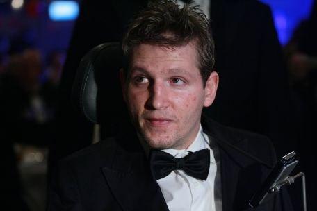 Fundaţia lui Mihai Neşu poate face diferenţa între o viaţă normală şi una în scaun cu rotile pentru David