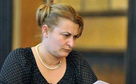 Şefa CNADNR, Daniela Drăghia, va fi demisă astăzi. Ungureanu a cerut schimbarea ei