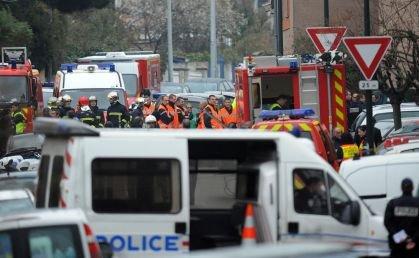Atacatorul din Toulouse avea în plan să ucidă din nou. Bărbatul nu a fost încă prins de forţele speciale