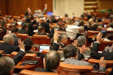 Deputaţii au aprobat revizuirea Constituţiei cu privire la Parlamentul unicameral
