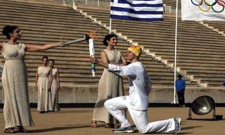 Cum a făcut rost de bani Grecia pentru ştafeta torţei olimpice pe teritoriul elen