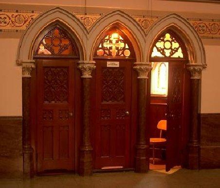 Românii fură din bisericile italiene: Un conaţional, arestat după ce a jefuit un italian la spovedanie