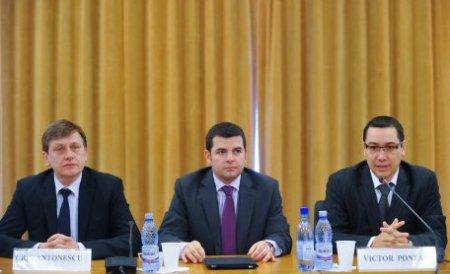 Mitingul USL s-a încheiat. Crin Antonescu și Victor Ponta, desemnați oficial candidați la funcțiile de președinte și premier