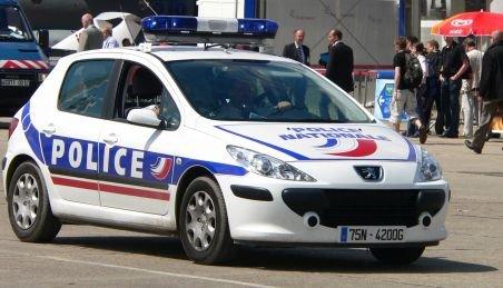 Un rus băut la volan şi oprit de poliţie a fugit cu maşina oamenilor legii