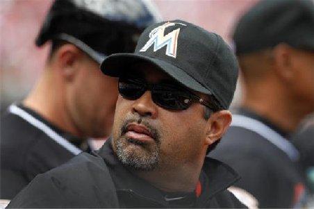 Un antrenor de baseball, suspendat după ce a spus că iubeşte un bărbat. Despre cine este vorba