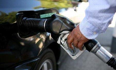 Românii nu cred că autorităţile vor reuşi să rezolve problema scumpirii carburanţilor