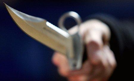 Belmondo Cobzaru, bărbatul care şi-a înjunghiat iubita într-un fast food din Iaşi, reţinut pentru 24 de ore