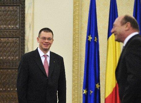 Mihai Răzvan Ungureanu se află în staţiunea Neptun, unde se află şi preşedintele Traian Băsescu