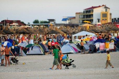 Operatorii din turism estimează că sunt circa 30.000 de turişti pe litoral, în acest week-end