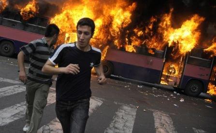 Un autocar plin cu turişti români a luat foc în Bulgaria