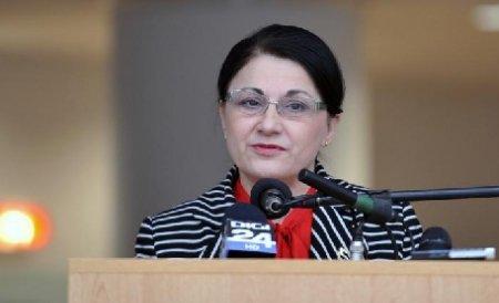 """Ecaterina Andronescu, întrebată dacă ar fi dispusă să preia Ministerul Educaţiei: """"Râdeţi de mine?"""""""