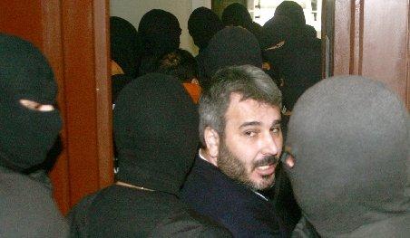 Interlopul Sile Cămătaru, căutat de poliţişti. El a fost condamnat la 13 ani de închisoare