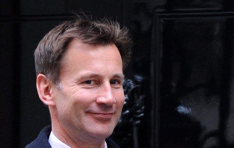 Au apărut noi dezvăluiri despre legăturile ministrului britanic al Culturii cu trustul Murdoch