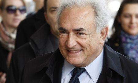 DSK îi cere cameristei despăgubiri de un milion de dolari, că n-a mai ajuns preşedinte