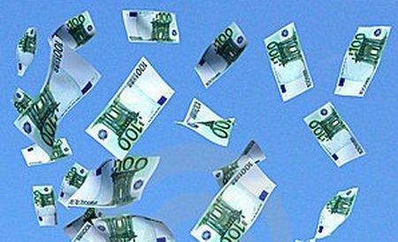 Fărădelegi cu acte false: Angajaţii unei bănci din Ploieşti, acuzaţi că au acordat credite false în valoare de 600.000 de euro