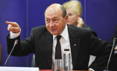 """Băsescu ştie mai bine! """"Să explicăm românilor că gazele de şist nu produc riscuri serioase"""""""