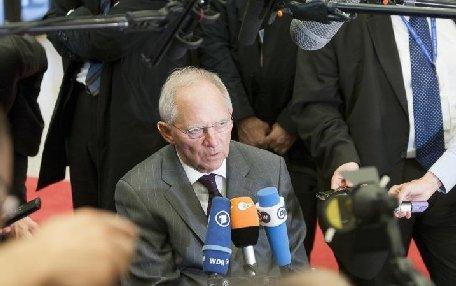Hollande este rezervat în privinţa numirii lui Wolfgang Schauble la conducerea Eurogrup