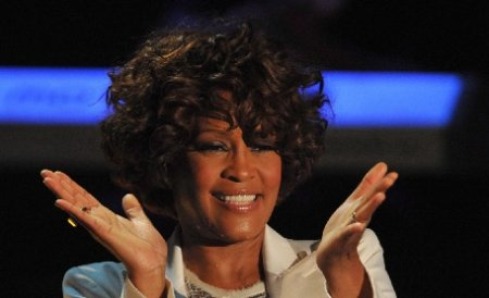 Scandal ca la uşa cortului între rudele lui Whitney Houston