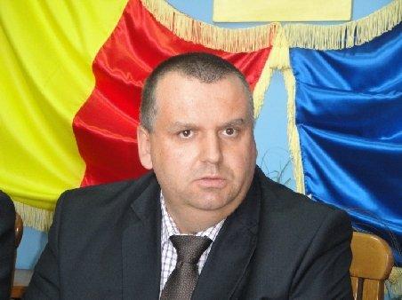 Botoşani: Prefectul cere directorilor instituţiilor publice să nu se implice în campania electorală