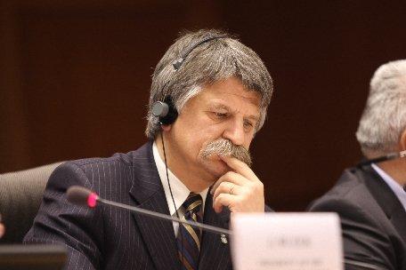 Preşedintele Parlamentului ungar: A fost foarte suprinzător comportamentul barbar al noului Guvern român