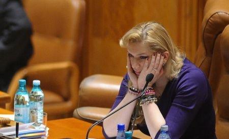 Dan Nica: Mama Robertei Anastase are afaceri ilegale cu Poşta Română. Preşedintele Camerei Deputaţilor neagă acuzaţiile