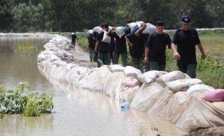 Hidrologii au emis Cod Galben de inundaţii. Aflaţi care sunt zonele vizate