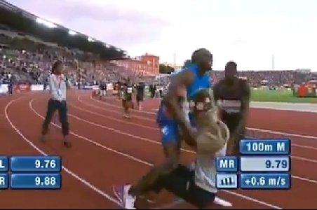 Ce îi face Usain Bolt fetei cu flori la sfârşitul unei curse. Blestemul celui mai rapid om de pe planetă