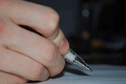 """Bacalaureat 2012, recoltă nouă de perle: """"Dintre cele cinci scrisori trimise de Eminescu, prima este considerată a treia"""""""