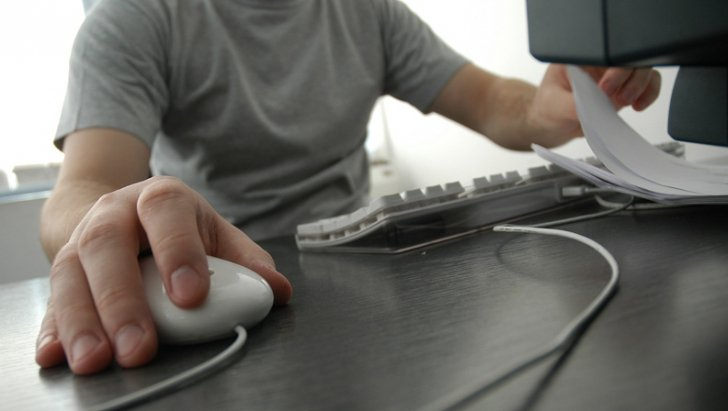 Bacalaureat 2012. Peste 150.000 de elevi dau astăzi proba de competenţe digitale. Află ce presupune
