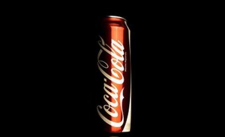 Coca-Cola, în cădere. Moody's a retrogradat ratingul companiei de la A3 la Baa1
