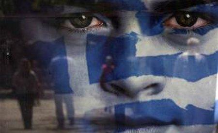 Criza din Grecia i-a împins la limită şi pe românii aflaţi acolo. Pleacă din ţară sau renunţă la visuri făcând drum întors