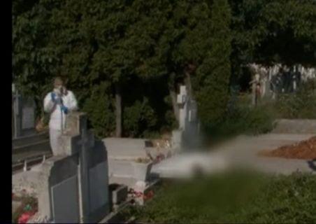 Accident cumplit într-un cimitir din Timişoara: Bărbat strivit sub propria-i piatră funerară!