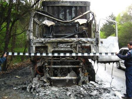 Numărul victimelor accidentului de pe DN 2 a ajuns la 5. Traficul este blocat de 4 ore