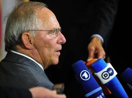 Ministrul de Finanţe german consideră că este necesară transferarea de competenţe către Bruxelles