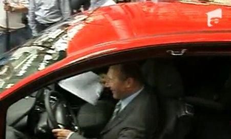 Băsescu, proprietarul primului Ford B-Max produs în uzina de la Craiova