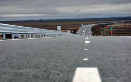 """O lecţie de """"exactitate"""" de la Transporturi. Autostrada Soarelui va putea fi parcursă CÂNDVA de la un capăt la altul"""
