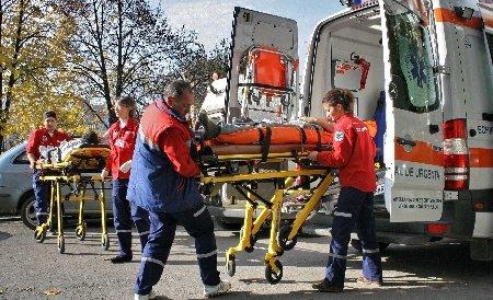 Trei morţi în urma unui accident rutier, pe DN1, în Arad. O maşină s-a ciocnit de o cisternă cu GPL