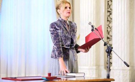 Judecătoarea Iulia Motoc, suspectă de incompatibilitate. Ministrul Justiţiei a sesizat ANI şi CCR