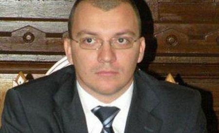 Deputatul Boldea, scos pe braţe din sala de judecată când a aflat că tatăl său a murit