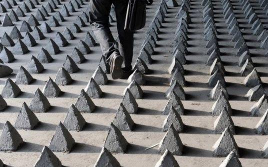 """Oamenii străzii, """"traşi în ţeapă"""" de chinezi. Cum vor autorităţile să rezolve problema persoanelor fără adăpost"""