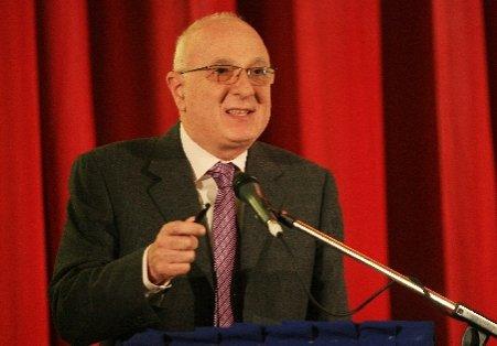 Dan Radu Ruşanu preia funcţia de vicepreşedinte al Senatului, după demisia lui Dan Voiculescu