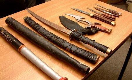 Două clanuri din Ploieşti s-au tăiat cu topoarele