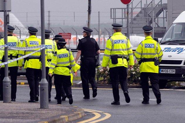 Londra. Şase presupuşi terorişti au fost arestaţi