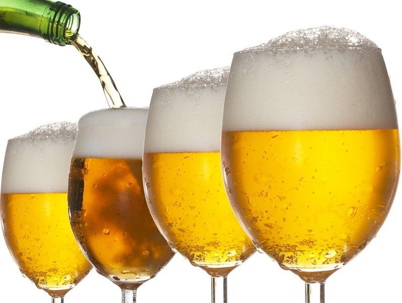 Vara, sezonul preferat al berii. Anotimpul promoţiilor la bere, în magazinele real,-