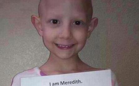 """O imagine care dă speranţă. """"Adio, cancer prost! Sunt o supravieţuitoare!"""""""
