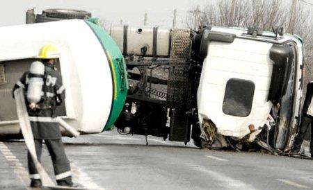 Argeş: Traficul pe DN 7, unde o cisternă încărcată cu motorină s-a răsturnat, a revenit la normal