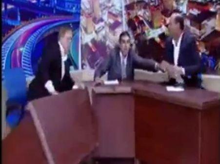 Doi invitaţi ai unei emisiuni din Iordania s-au luat la bătaie, în direct, la tv