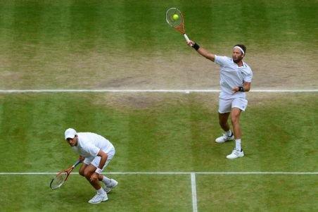 Finala de dublu de la Wimbledon, Tecău/Lindstedt - Marray/Nielsen, întreruptă din cauza ploii