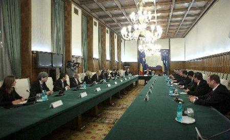 Guvernul a aprobat hotărârile de organizare a referendumului de suspendare a preşedintelui. Vezi deciziile luate