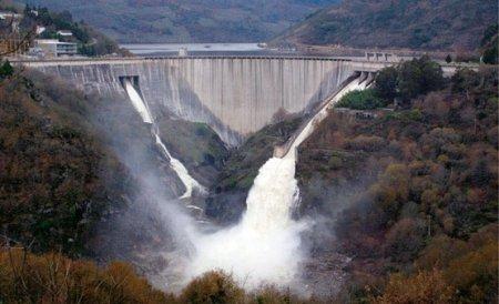 Hidroelectrica a pierdut 2 miliarde de euro în ultimii 6 ani şi nu 1 miliard cum anunţă ministrul economiei